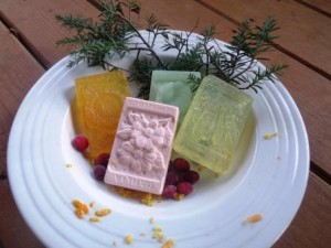 Gardening Jones shares her Special Limited Edition Christmas Soap Box. Naturally made by hand.
